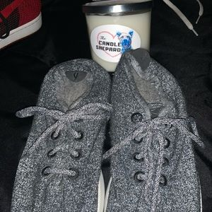 Allbirds with free candle
